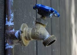 Emergency Plumbing Repair by Muccia